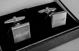 Manžetové knoflíčky s monogramem s ruční rytinou